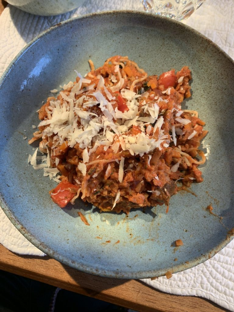 Gemüsesauce mit Konjak Spaghetti